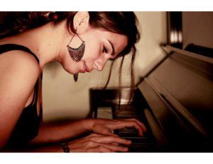 Liza Micelli Headshot